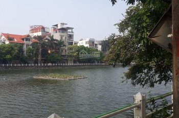 Bán đất mặt đường hồ Tai Trâu-Long Biên 2- Ngoc Lâm. DT gần 70m2 2 tầng MT4m giá chào 4,95 tỷ