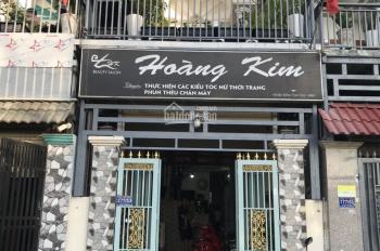 Bán nhà Dĩ An sân xe hơi 1 lầu 1 trệt đường thông ngay chợ Tân Long chính chủ, LH: 0973 591 709