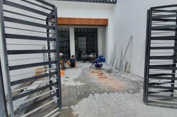 Cho thuê sân 20m2 mặt tiền CMT8, ngã tư Phú Văn, Thủ Dầu Một, Bình Dương
