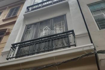 Bán nhà đẹp, ngõ rộng ô tô đỗ gần nhà, ngõ phố Giang Văn Minh, Kim Mã, DT 40m2, 5 tầng
