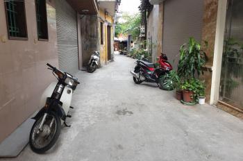 Bán 38m2 đất nở hậu, ngõ chợ 366 Ngọc Lâm, Long Biên. Đường 2.5m, hướng Đông Bắc