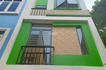 Bán nhà đẹp gần đường Lê Trọng Tấn HĐ - HN (34m2*4T*4PN), giá 2.00tỷ ô tô đỗ gần.