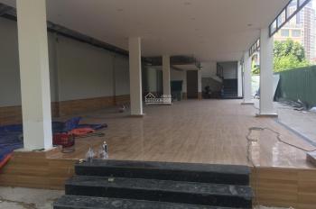 Cho thuê tòa nhà mặt tiền đường Nguyễn Văn Hưởng, Quận 2, diện tích: 10x30m giá 167 triệu