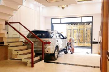 Tôi chủ cần bán nhà 3 lầu đường Linh Đông, ra Phạm Văn Đồng 200m, ngang 5.5m, garage xe hơi