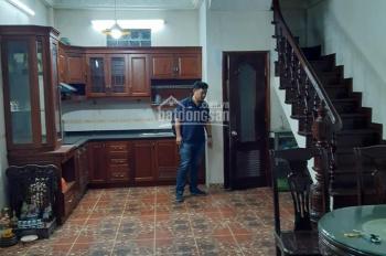 Nhà không ở đến bán 50m2 XD 5T, MT 5m ngõ 67 Thái Thịnh ô tô quay đầu cách 20m, trước nhà rộng 2.6m