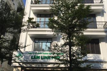 Chính chủ cho thuê căn liền kề mặt phố Xuân La - DTSD 140m2, giá 20 tr/th. LH: 0962522094