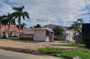 Đáo hạn ngân hàng cần tiền bán gấp lô đất Hùng Vương, giá rẻ chỉ 400 tr/168m2. 0356825309