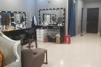 Cho thuê nhà mặt phố Thái Hà DT 130m2 x 2 tầng, MT 5,5m, 40 tr/th, LH 0902118648