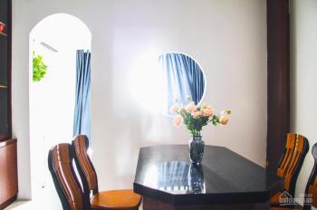 Cho thuê khách sạn mặt tiền Phan Văn Trị Gò Vấp 4x20m, 4 lầu 15 phòng thang máy giá 49 triệu TL