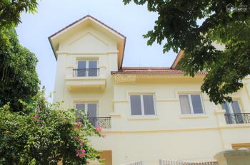 Cho thuê biệt thự song lập 300m2 tại khu đô thị Vinhomes Riverside, giá: 40tr/th, LH: 0906288866