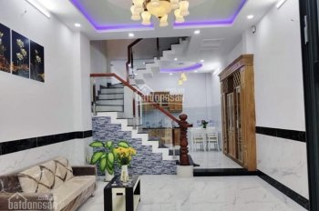 Nhà mặt tiền khu đường Hoa - Phan Xích Long, 3 lầu