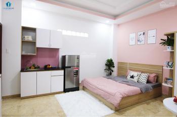 Phòng dạng studio có sẵn kệ bếp, tiện nghi, ban công, giá siêu rẻ, ngay đường Tô Hiến Thành, Q10