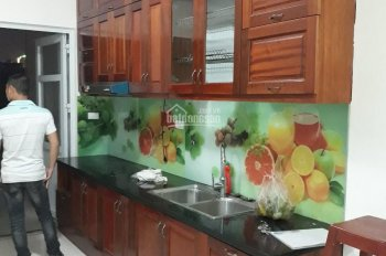 Chính chủ cho thuê căn hộ CC Tăng Thiết Giáp, 2PN, điều hòa, tủ bếp, giá 7,5 triệu. 0902227009