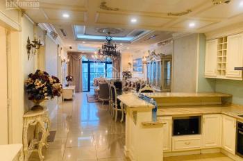 Chính chủ cần bán căn hộ số 11 Royal City: 88m2, 2PN, Đông Nam, View quảng trường, LH: 0868667568