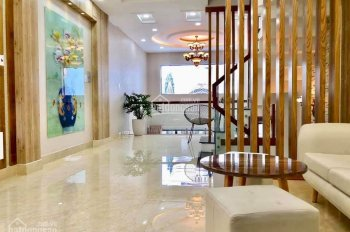 Bán nhà HXH 6m Trần Hưng Đạo, phường 1, Quận 5, DT 4.5m x 15.5m giá hạt dẻ cho khách đầu tư