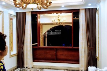 Chính chủ cần bán nhà mới xây tại Long Biên, nhà mới, sổ đỏ đầy đủ. LH: 0903299803