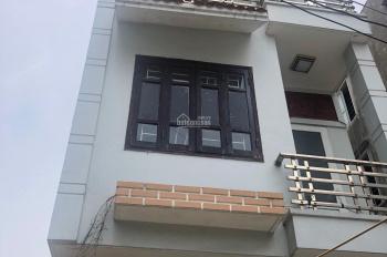Chính chủ cho thuê nhà riêng, khang trang, cạnh chợ Hàng, đường Hoàng Minh Thảo