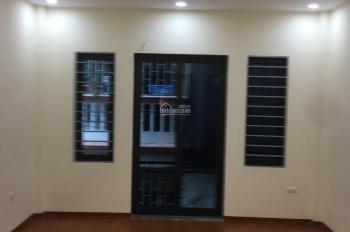 Bán nhà 25m2 phố Vĩnh Hưng, Lĩnh Nam vị trí gần đường ô tô giá 1.3 tỷ, LH 0989737045