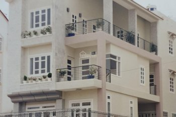Chính chủ cần bán gấp căn nhà mặt tiền Nguyễn Đình Chiểu, Phường 4, Quận 3 - 80m2 - 30.5 Tỷ TL !!!