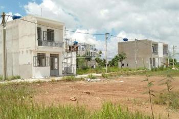 Bán gấp 3 lô đất nằm ngay MT Bình Thung, Dĩ An, DT 80m2, giá 995tr SHR. LH 0937805743 gặp Phương