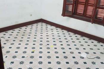 Cho thuê nhà phố Lạc Trung 52m2, nhà 5 tầng 7 phòng ngủ - ô tô đỗ cửa, khu vực dân trí cao