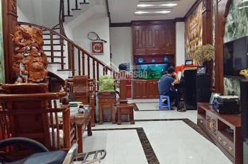 Bán nhà Hoàng Hoa Thám - Ba Đình, DT 42m2 SĐCC, giá 3,4 tỷ. Dọn về ở ngay
