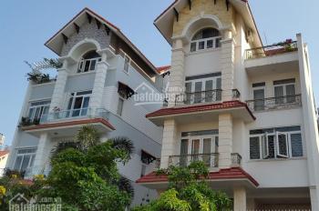 Hot! Bán nhà biệt thự đẹp Him Lam, chỉ 30 tỷ (10x20m) Quận 7, tặng toàn bộ nội thất, có thang máy