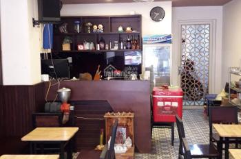 Sang nhượng quán cafe đường Nguyễn Trường Tộ, P12, Q. 4, full nội thất, giá rẻ