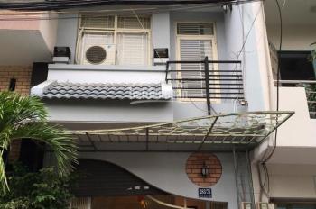 Chính chủ tôi cần bán nhanh nhà hẻm 4m Hòa Hảo, Q. 10 DT 3,3x11m, kết cấu trệt 1 lầu  sân thượng