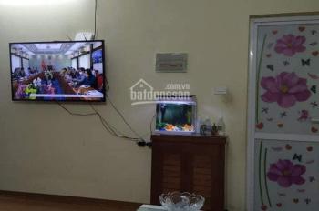 Cho thuê căn hộ 2 phòng ngủ khu đô thị Việt Hưng, Long Biên, 5tr/tháng, LH: 0983957300