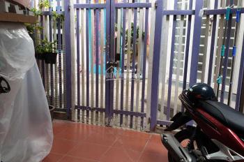 Bán nhà đang ở giá rẻ bất ngờ tại phường 3, quận 8, Hồ Chí Minh. LH 0354141907
