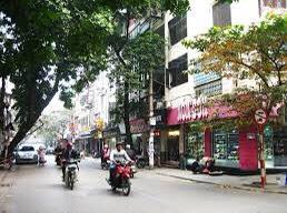 Chính chủ cho thuê nhà mặt phố Đường Thành, Cửa Đông, Hoàn Kiếm. Nhà 4 tầng đẹp nhất phố