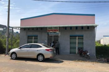 Chính chủ cần bán gấp nhà đất thổ cư ngay KCN Tân Đức, Đức Hòa, Long An, LH 0965592332