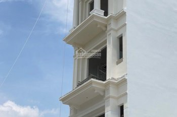 Bán toà nhà căn hộ dịch vụ gồm 12 phòng và 1 kiot kinh doanh, có thang máy, giá bán 10.2 tỷ TL