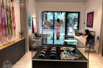 Cho thuê nhà mặt phố Hàng Đào, Hoàn Kiếm nhà hot DT T1 35m2 MT 2,5m, 50tr/th LH E Hùng 0928872222