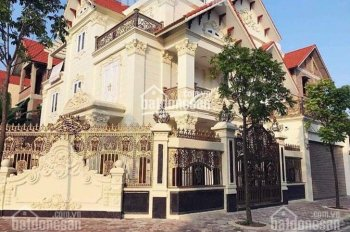 Cho thuê biệt thự Nguyễn Xiển diện tích 150m2, nhà 5 tầng, lô góc, thông sàn, thang máy, điều hoà