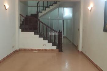 Cho thuê nhà phố Giảng Võ 60m2x 4 tầng, 6 phòng ngủ - nhà đẹp, sạch sẽ, ô tô đỗ tận cửa - Ảnh thật