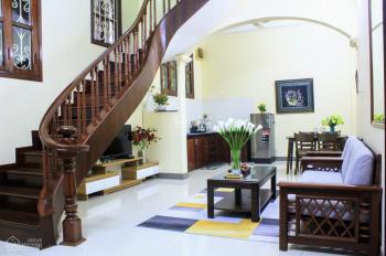 Cho thuê nhà riêng 4 tầng x 55m2 phố Hai Bà Trưng, nhà đẹp, 4PN, tiện nghi đủ giá rẻ 15tr/tháng