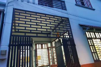 Bán nhà 1 trệt 2 lầu đường Gò Cát, phường Phú Hữu, Quận 9, DT 7.2x7.3m, vuông vức, giá TT 3 tỷ 200