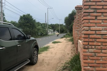 Chính chủ bán lô đất 3 mặt tiền đường Bùi Thị Điệt, ngang 40x26m, đường 25m, sổ có sẵn