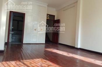 Cho thuê nhà đường Nguyễn Minh Hoàng 1 hầm nổi 3 lầu