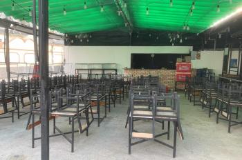 Cho thuê quán ăn 300m2 đầy đủ nội thất kinh doanh. Giá chỉ 40tr/tháng, LH: 0902441488