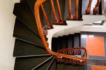 Bán nhà lô góc 3 tầng kinh doanh rất tốt ở Ngô Xuân Quảng, Trâu Quỳ, giá 6 tỷ. LH: 0965943288
