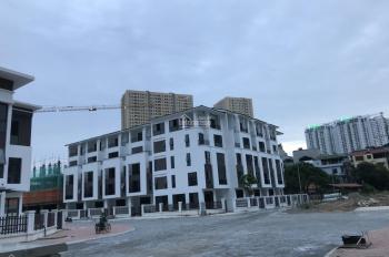 Tôi cần bán gấp cắt lỗ, lô góc 3 mặt thoáng Hoàng Thành Villas, đường lớn 141tr/m2 bao gồm xây thô