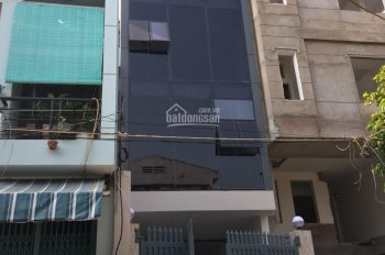 Cho thuê nhà mặt tiền 155 Nguyễn Tri Phương ngay vòng xoay Quận 10. Liên hệ: Mr. Vân 0813968168