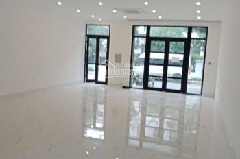 Cho thuê nhà MP Trần Quốc Toản, Hoàn Kiếm. DT 200m2, 5 tầng, thang máy điều hòa, 230 tr/th