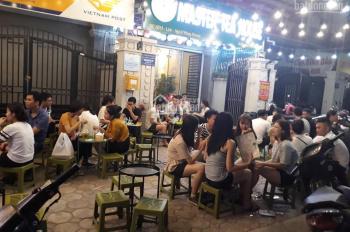 Cho thuê nhà mặt phố Đinh Tiên Hoàng (bờ hồ), DT 30m2