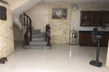 Cho thuê nhà riêng DT 50m2*3,5 tầng, ô tô cách nhà 10m tại đường Cự Lộc, Thanh Xuân giá 16 tr/th