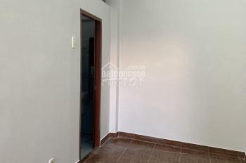 Cho thuê nhà mới đẹp mặt tiền đường Tân Trang, P.9, Q.Tân Bình, DT: 3x15m, 2PN 2WC. Giá 13tr/th