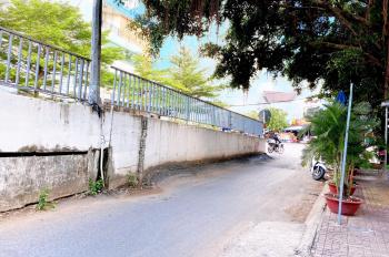 Bán đất cầu Huỳnh Thúc Kháng, phường 7. Tặng nhà trên đất
